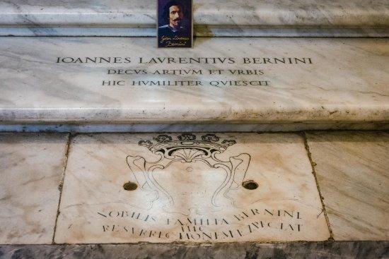 Bernini Mezarı ve anıtı Santa Maria Maggiore Bazilikası